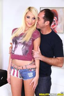Naughty Blonde Kimber Selice Having Ass To Mouth Sex-00