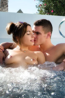 Ally Breelsen Makes Love In The Jakuzzi