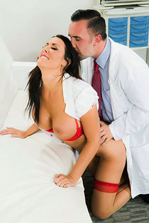 Hot Nurse Reagan Foxx Fucked In The Hospital