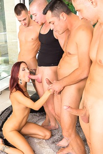 Lien Parker semi-gangbanged this time with 4 guys in this Cum For Cover scene